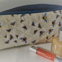 Quilted Cosmetic Bag, Toilet Bag, Zipper Pouch, BEES.
