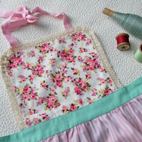 Kids Apron 9-12 years, Pink Floral Apron for Girls, Kitchen Apron, Girls Apron