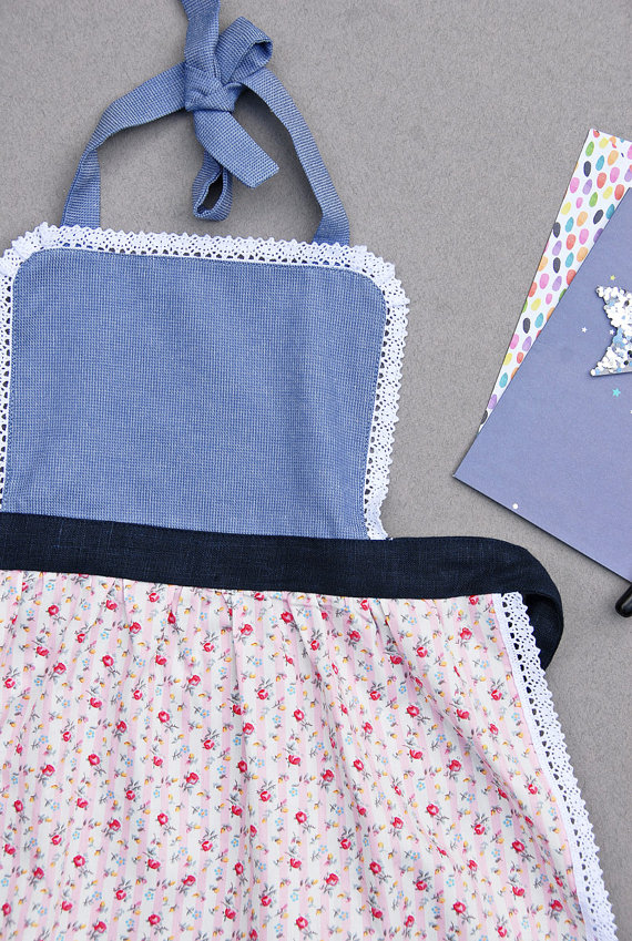 Apron 2-4 years, Kids Apron, Floral Kids Pinny, Puffed Pleated Full Skirt