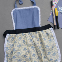 Kids Apron 9-12 years, Toddler Aprons, Floral Childrens Apron, Girls Apron