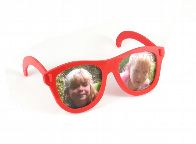 Spectacles Photo Frame - Red