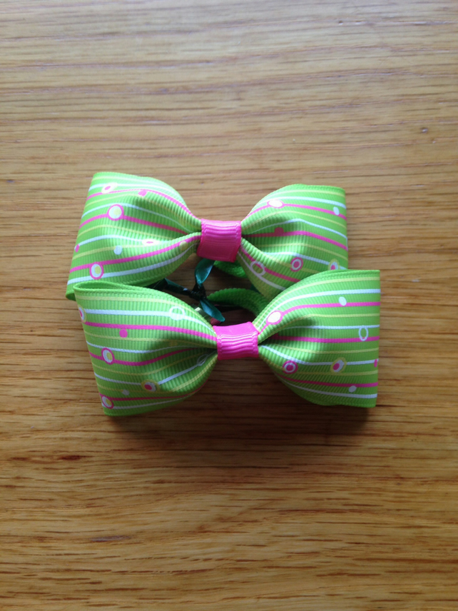 Green pinstripe hair bow set