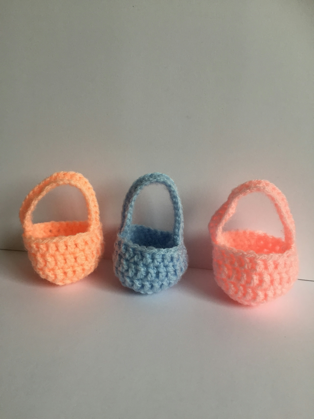 Crochet Easter Egg basket set