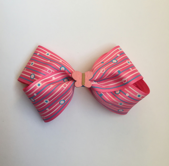Pink butterfly hair bow