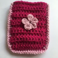 Crochet pocket tissue cover fuchsia
