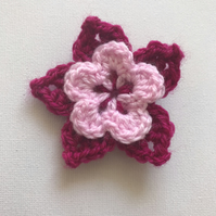 Crochet tropical flower hair clip pinks