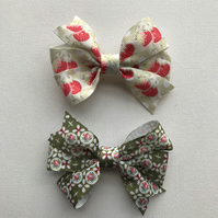 Vintage ribbon hair bow set