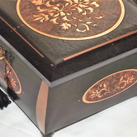 LOCKABLE BESPOKE HANDMADE. Unique Deluxe Wooden Jewellery Box. Half Mortise Lock