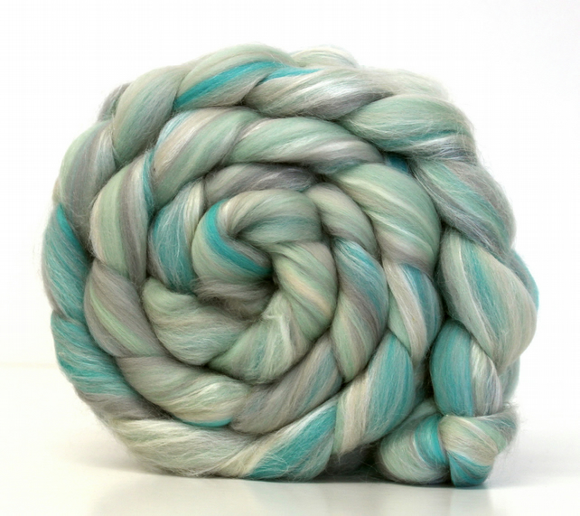 Frozen - Luxury Merino Wool and Silk Blend Combed Top 100g Spinning and Felting