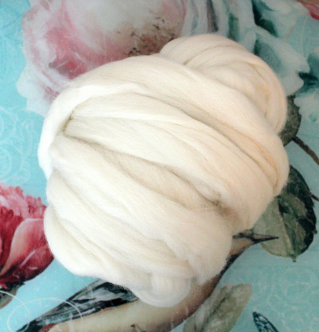 Cheviot English Wool Tops 500g 1.1lb White Natural Undyed for felting spinning