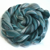 Jade Garden Fine Merino Wool & Silk Combed Top 100g for Spinning and Felting
