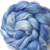 Merino Wool and Silk Blend Combed Top Sky Blue 100g 3.5 oz