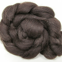 Black Welsh Combed Wool Top 100g Felting Spinning