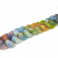 Falkland Wool Combed Top Hand Dyed 100g Braid FT25