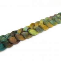 Falkland Wool Combed Top Hand Dyed 100g Braid FT30