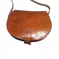 Vintage Style Hand Made Real Leather Saddle Hand Bag Satchel in tan