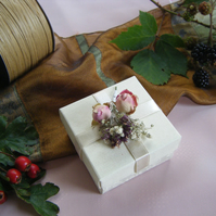 Readymade wedding favours custom made to your requirements - Real flower