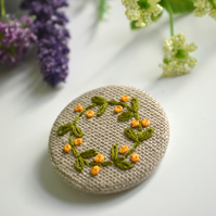 Embroidered wreath brooch, flower wreath badge, embroidered wreath pin