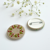 Wreath pin badge, flower wreath badge, embroidered wreath pin, wreath brooch