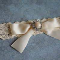 MEGAN: Ivory Wedding Garter. Ivory Lace. Satin Bow. Rhinestone Pearl Button.