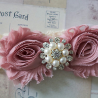 AMIE: Antique Rose Shabby Chic Wedding Garter. Ivory Lace.