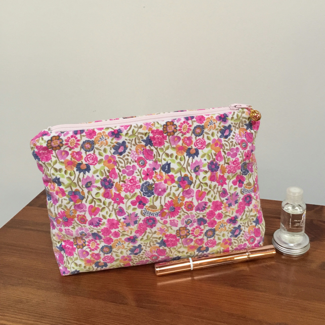 Cosmetic Bag - Delicate Florals