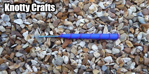 Crochet Hook Size 2.5 mm UK Blue with Purple Swirl around the handle.