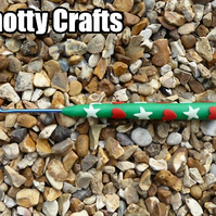 Crochet Hook Size 2.5mm UK GREEN Clay with Red Hearts & GLOW IN DARK WHITE Spots