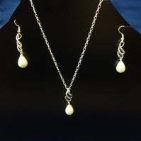 925 Pearl Drop Necklace with Matching Earings