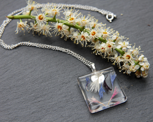 Real Dried Flowers Resin Pendant Necklace Wildflowers Pressed Flowers Glass Gift