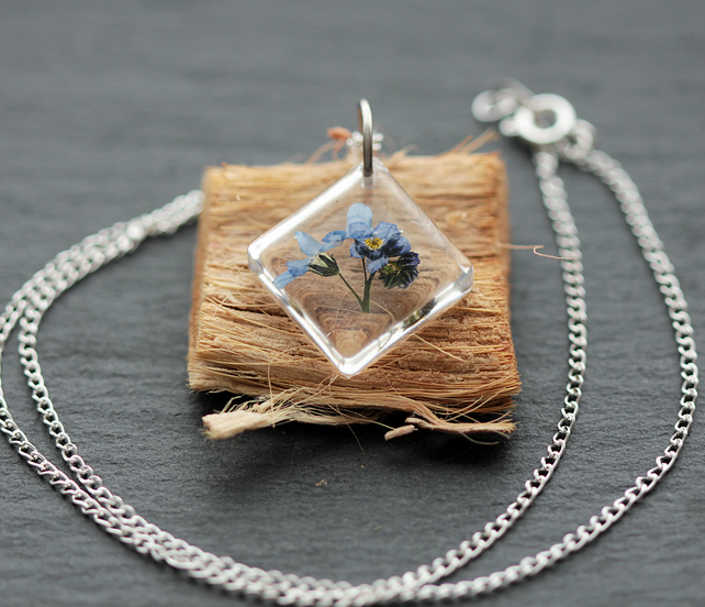 SILVER PLATED FLOWER DANDELION  FORGET ME NOT NECKLACE PRESSED JEWELLERY UK GIFT