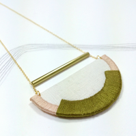 CRAVEN - Linen, Thread and Gold Necklace - Olive and Blush