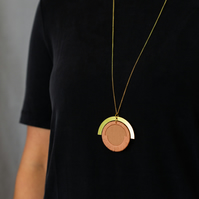 LUNA circle pendant in Rose