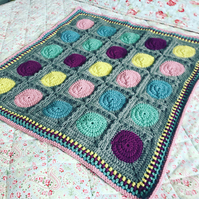 Spot on Chunky Baby Cot Blanket