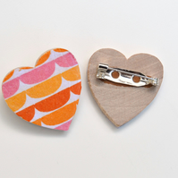 Heart Brooch with Semicircle Pattern