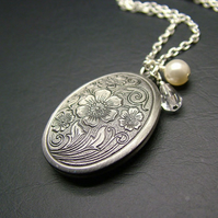 Antiqued Silver Oval Floral Locket Necklace