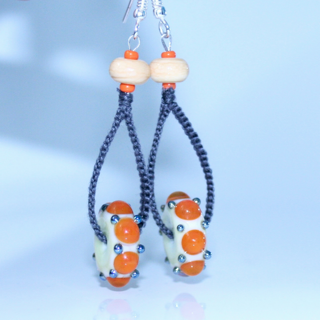 Glass and macrame earrings - Scandi style