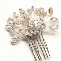 Bridal hair comb, wedding hair comb, handmade, hairpiece, proms, pearl