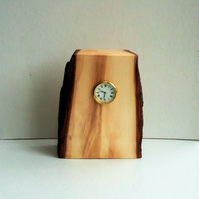 Horse Chestnut Desk Clock 458