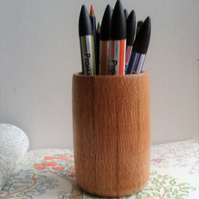 Oak Bark Effect Pencil Pot 570
