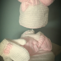 Bobble bow hat, scarf and mittens set