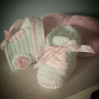 Baby high top booties crochet