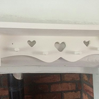 Hand Made 3 Heart 4 Peg Shelf Painted White 80cms Shabby Chic Nursery Kitchen