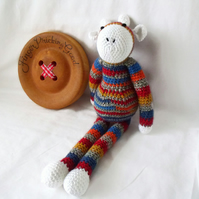 crocheted multicoloured giraffe, crocheted wildlife animal