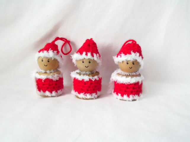 set of three crocheted hanging spool santa ornaments, christmas tree decorations