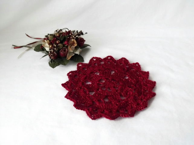 red sparkly crocheted christmas doily, crochet candle mat table decoration
