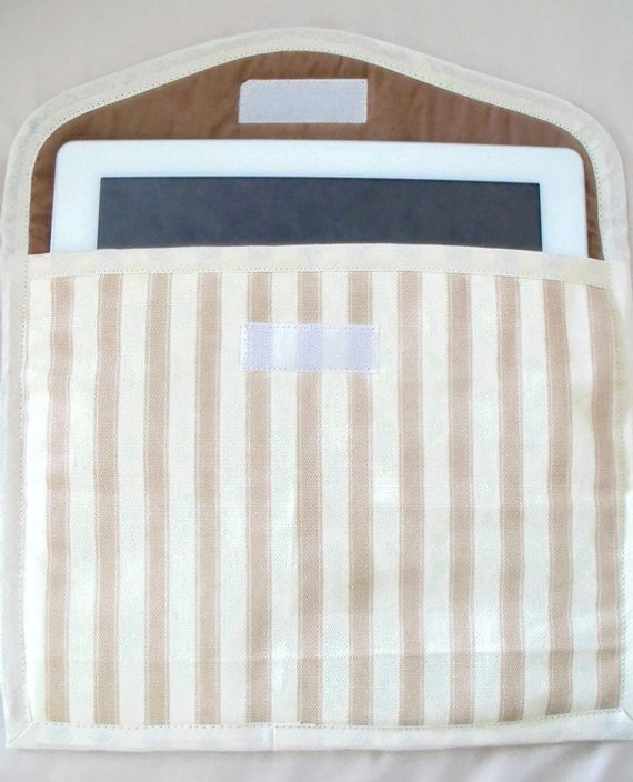 "i pad padded sleeve for larger devices, screen protector, 10 x 8"" beige"