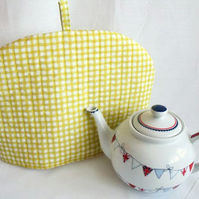 tea pot cozy to keep your brew warm, yellow checked fabric