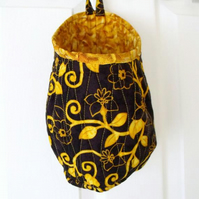 quilted door handle storage bag, storage pod, black and gold