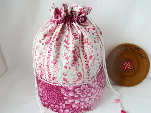 crochet yarn bag and hook storage, pink floral print